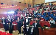 Bộ trưởng Nguyễn Thị Kim Tiến cùng hàng trăm người tập thể dục