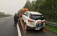 Ôtô va đá vỡ hộp số, gãy càng, rách lốp... trên đường cao tốc