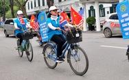 Đạp xe quanh trung tâm Hà Nội tuyên truyền ứng xử văn minh