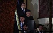 Ông Kim Jong Un cùng em gái đến thăm Đại sứ quán Triều Tiên