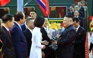 Nữ sinh xứ Lạng tặng hoa ông Kim Jong Un ở ga Đồng Đăng là ai?