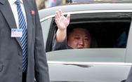 Nhìn từ cái vẫy tay chào của Chủ tịch Triều Tiên ở Việt Nam