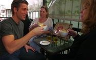 Cà phê trứng, nộm đu đủ, phở bò Hà Nội lên truyền hình Mỹ