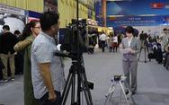Phóng viên nước ngoài: 'Không có các câu chuyện bên lề sẽ vô nghĩa'