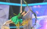 Nữ cascadeur Phi Ngọc Ánh đu dây lụa đăng quang 'Kẻ thách thức'