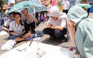 Hơn 200 học sinh TP.HCM háo hức 'tự tay' đo chu vi Trái đất