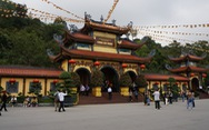 BS nói chuyện ở chùa Ba Vàng, Bệnh viện Bạch Mai sẽ 'gặp báo chí' ngày 25-3