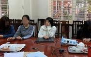 4 nữ nhân viên khỏa thân khi massage cho khách nam