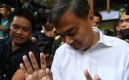 Cựu thủ tướng Thái Abhisit từ chức lãnh đạo đảng sau thất bại bầu cử