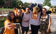 Học bổng du học và làm việc hưởng lương tại University of Tennessee Knoxville, Mỹ