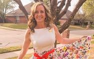 Cô giáo diện váy do học sinh vẽ nguệch ngoạc gây sốt mạng