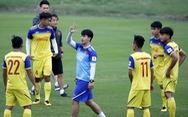U-23 Việt Nam đón hai trợ lý mới ngày đầu tập trung
