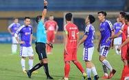 Trọng tài gây hàng loạt tranh cãi ở trận Hà Nội thắng Viettel
