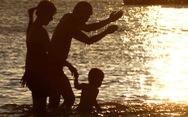 Cha mẹ sao không dạy con điều tốt và lòng yêu thương?
