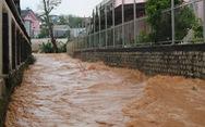 Chiều 20-4, Đà Lạt mưa lớn kèm mưa đá, nhiều nơi ngập nặng