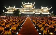 Rực rỡ đêm hoa đăng cầu quốc thái dân an Đại lễ Phật đản 2019