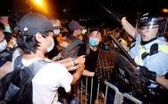Biểu tình Hong Kong đã có đụng độ, báo Trung Quốc tố 'thế lực nước ngoài' phá