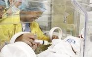 Người mẹ ung thư gặp con: 'Mẹ cháu đã chờ giây phút này rất lâu rồi'