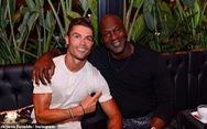 Ronaldo 'bo' hơn nửa tỉ đồng cho nhân viên khách sạn