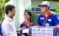 Bí thư Trung ương Đoàn đến điểm thi, cổ vũ tinh thần tình nguyện viên