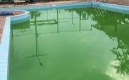 Hai bé chìm dưới đáy hồ bơi khách sạn không được cứu kịp thời?