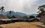 Lũ lượt đập nhà, bỏ làng vì 'chết xấu, đất xấu'