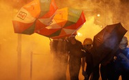 Cảnh sát dùng hơi cay giải tán biểu tình ở Hong Kong