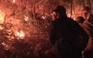 Video: Cháy rừng, nhiều hộ dân di chuyển chỗ ở trong đêm khuya
