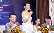 Lần đầu ra mắt tuần lễ thời trang dành cho người mẫu chuyên nghiệp