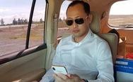 'Thiếu gia' nổi tiếng xứ Cà Mau khoe hàng xấp tiền USD trên mạng