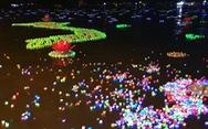 Xôn xao quanh chuyện '30.000 hoa đăng thả xuống vịnh Lan Hạ gây ô nhiễm'