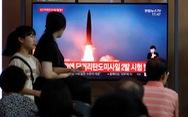 Triều Tiên tiếp tục phóng hai vật thể vào vùng biển Nhật Bản, dọa 'sẽ tìm con đường mới'