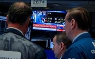 Giá vàng lập lỷ lục mới, chứng khoán Mỹ giảm mạnh