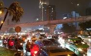Miền Nam mưa lớn, TP.HCM kẹt xe khủng hoảng, đêm nay và ngày mai mưa tiếp?