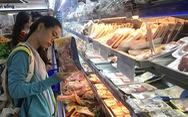 Giá gà rẻ hơn... rau