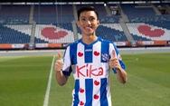 Bộ ảnh Văn Hậu cười rạng rỡ trong màu áo SC Heerenveen