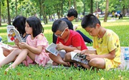 Rèn con yêu đọc sách, ba mẹ đang rèn cho con ý chí tự chủ