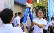Tiểu Vy, Bình Minh rước đuốc phát động kỷ niệm ngày 3-2
