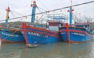 Tàu cá Nghệ An chìm ở Quảng Bình, 6 ngư dân mất tích