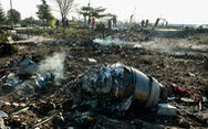 Video mới: Máy bay Ukraine trúng đến hai tên lửa Iran