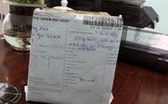 Nhận giùm bưu phẩm quà tết mất phí 500.000 đồng, mở ra là cục đá