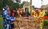 Thả cá chép, dựng cây nêu đón năm mới tại Hoàng thành Thăng Long