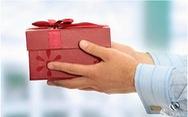 TP.HCM cấm tặng quà tết cho cấp trên bằng mọi hình thức
