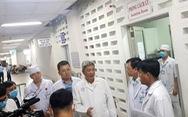 Thứ trưởng Bộ Y tế kiểm tra khu vực phòng chống lây nhiễm ở Bệnh viện Chợ Rẫy