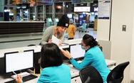Vietnam Airlines phỏng vấn, đo thân nhiệt khách từ châu Âu về Việt Nam