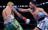 Cay cú vì liên tiếp chịu đòn, võ sĩ bắt chước Mike Tyson... cắn đối thủ
