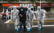Chống virus corona, bác sĩ Trung Quốc làm việc đến 20 giờ mỗi ngày