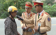 Một người Trung Quốc bị phạt 40 triệu vì đi ôtô không bằng lái và say xỉn