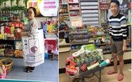 Dân Thái xách giỏ lưới, đẩy xe cút kít thay túi nhựa khi mua sắm