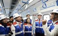 Bí thư Nguyễn Thiện Nhân trải nghiệm tàu metro số 1